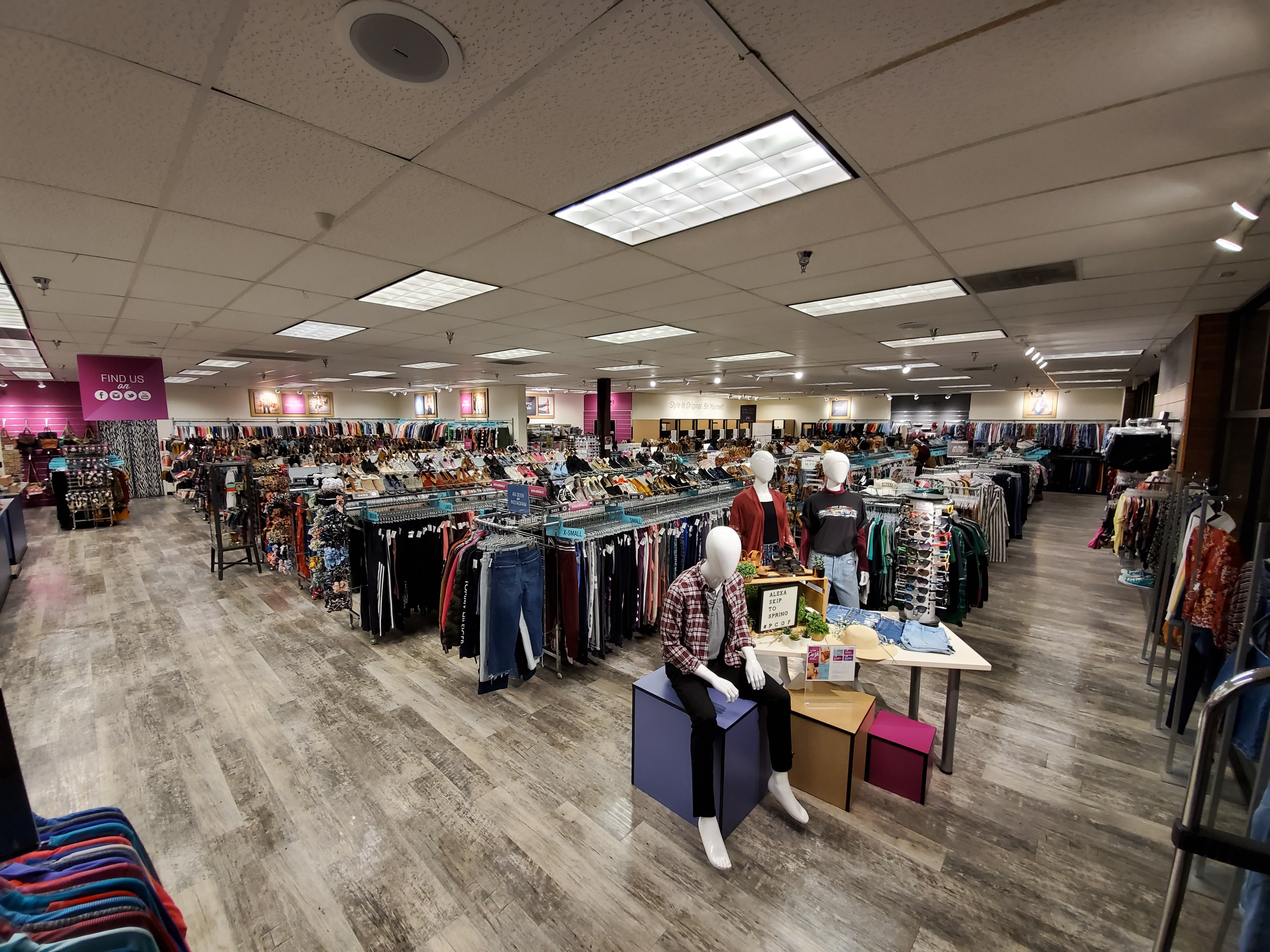 Buys And Sells Teen Clothes And Accessories Plato S Closet Grand Forks